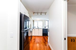 Photo 2: 906 151 W 2ND STREET in North Vancouver: Lower Lonsdale Condo for sale : MLS®# R2332933