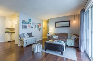 """Photo 1: 204 31855 PEARDONVILLE Road in Abbotsford: Abbotsford West Condo for sale in """"Oakwood Court"""" : MLS®# R2146127"""