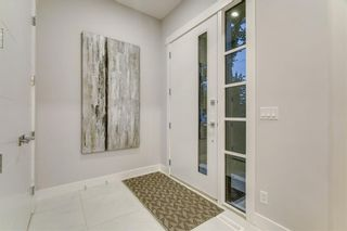 Photo 2: 3306 2 Street NW in Calgary: Highland Park Detached for sale : MLS®# C4208503