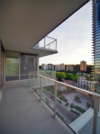 """Photo 2: 1008 6383 MCKAY Avenue in Burnaby: Metrotown Condo for sale in """"Gold House North Tower"""" (Burnaby South)  : MLS®# R2519798"""