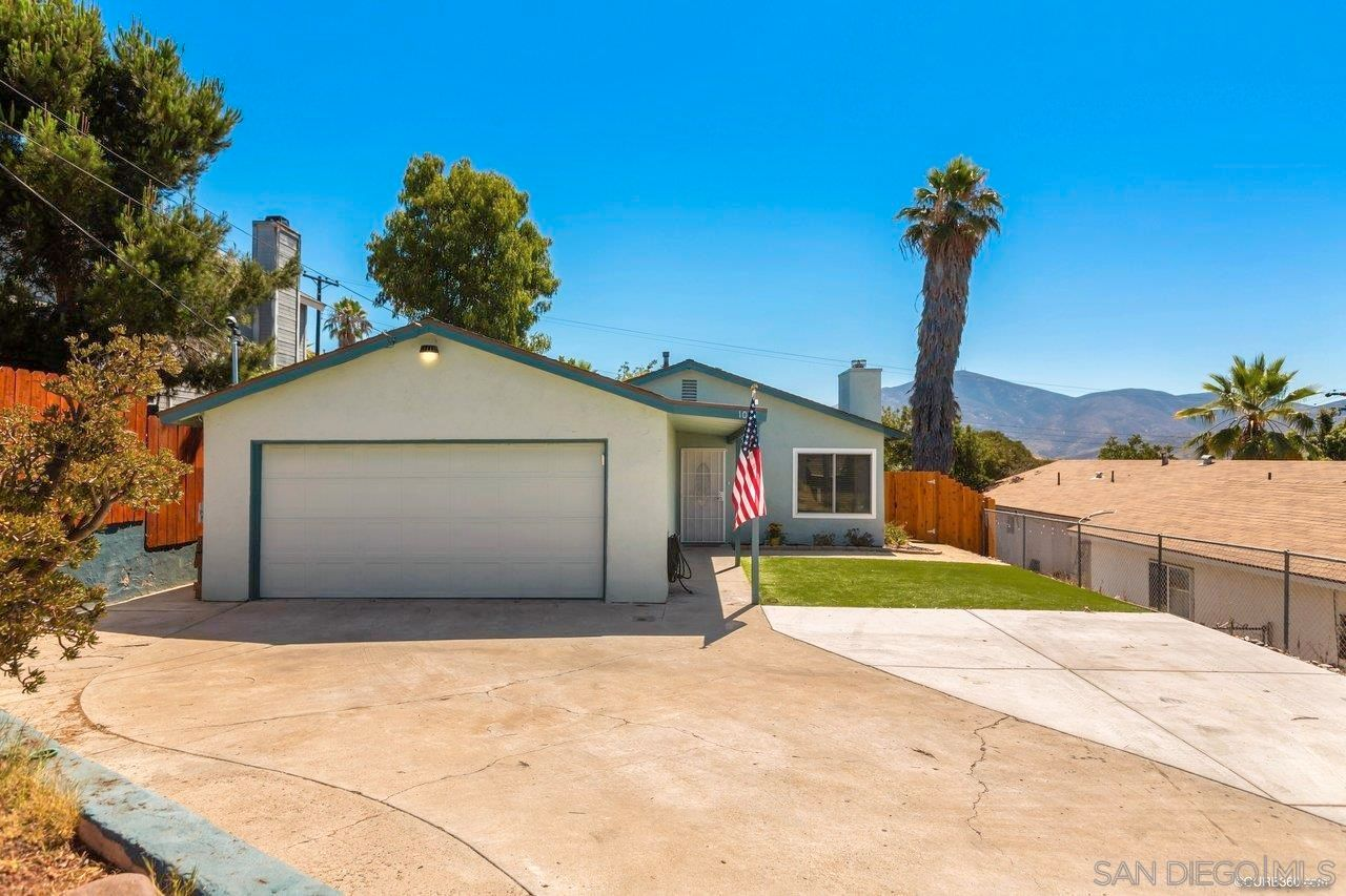 Main Photo: SPRING VALLEY House for sale : 3 bedrooms : 1015 Maria Avenue