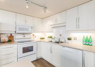 Photo 5: 2302 650 10 Street SW in Calgary: Downtown West End Apartment for sale : MLS®# A1133390