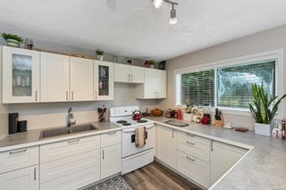 Photo 2: 2815 Meadowview Rd in : ML Shawnigan House for sale (Malahat & Area)  : MLS®# 858524