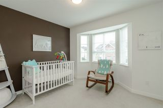 """Photo 17: 30 8438 207A Street in Langley: Willoughby Heights Townhouse for sale in """"YORK by Mosaic"""" : MLS®# R2396335"""