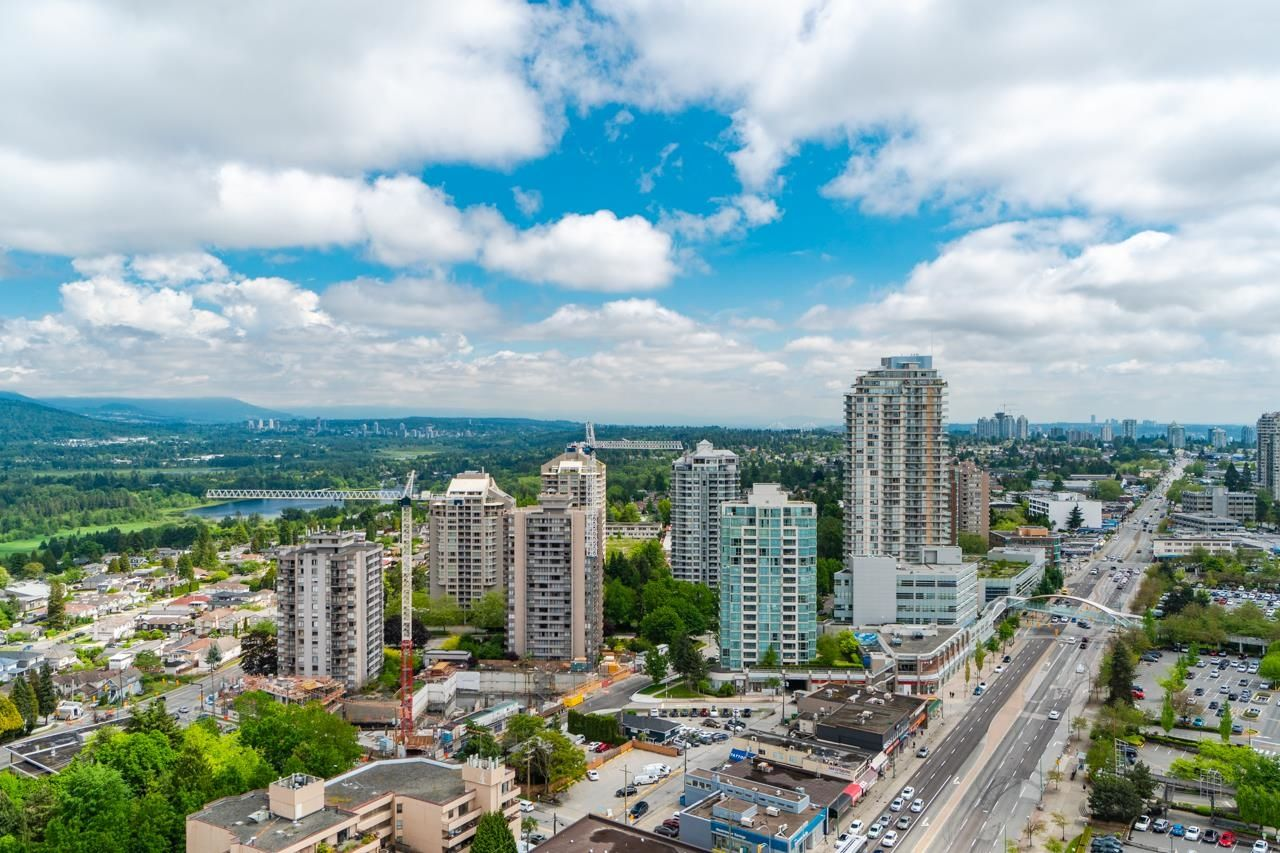 Main Photo: 2503 4688 KINGSWAY in Burnaby: Metrotown Condo for sale (Burnaby South)  : MLS®# R2609114