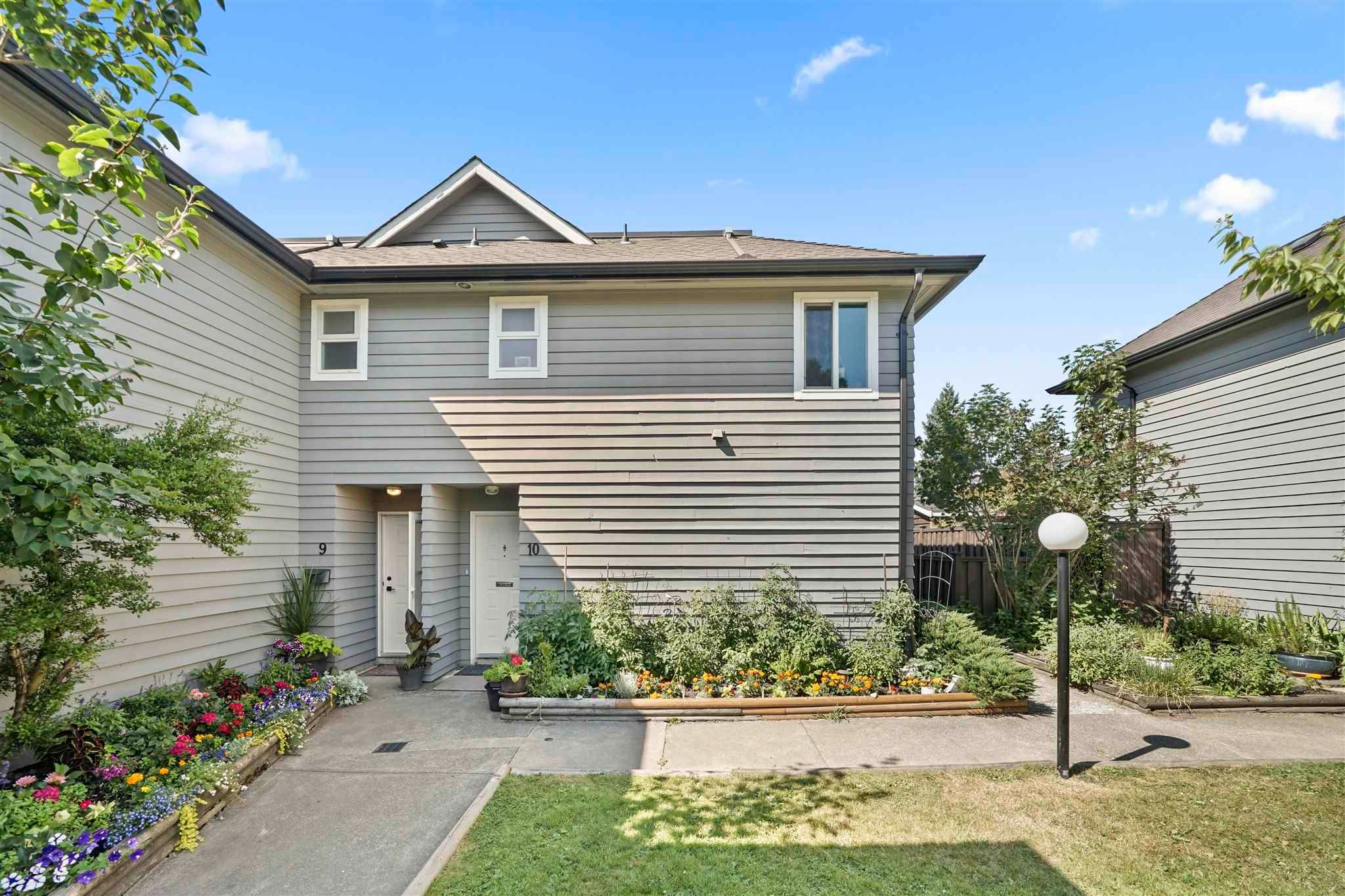 Main Photo: 10 1255 E 15TH Avenue in Vancouver: Mount Pleasant VE Townhouse for sale (Vancouver East)  : MLS®# R2599314