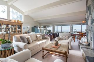 "Photo 3: 2774 O'HARA Lane in Surrey: Crescent Bch Ocean Pk. House for sale in ""Crescent Beach Waterfront"" (South Surrey White Rock)  : MLS®# R2265834"