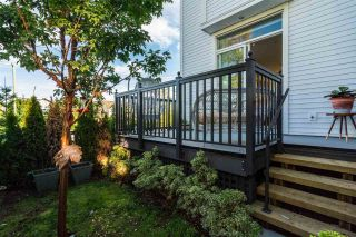"""Photo 13: 37 8438 207A Street in Langley: Willoughby Heights Townhouse for sale in """"YORK By Mosaic"""" : MLS®# R2211838"""