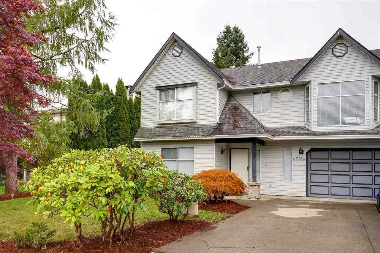 Main Photo: 20165 HAMPTON Street in Maple Ridge: Southwest Maple Ridge House for sale : MLS®# R2215001