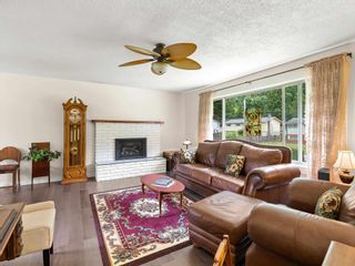 """Photo 5: 38221 GUILFORD Drive in Squamish: Valleycliffe House for sale in """"Valleycliffe"""" : MLS®# R2595387"""