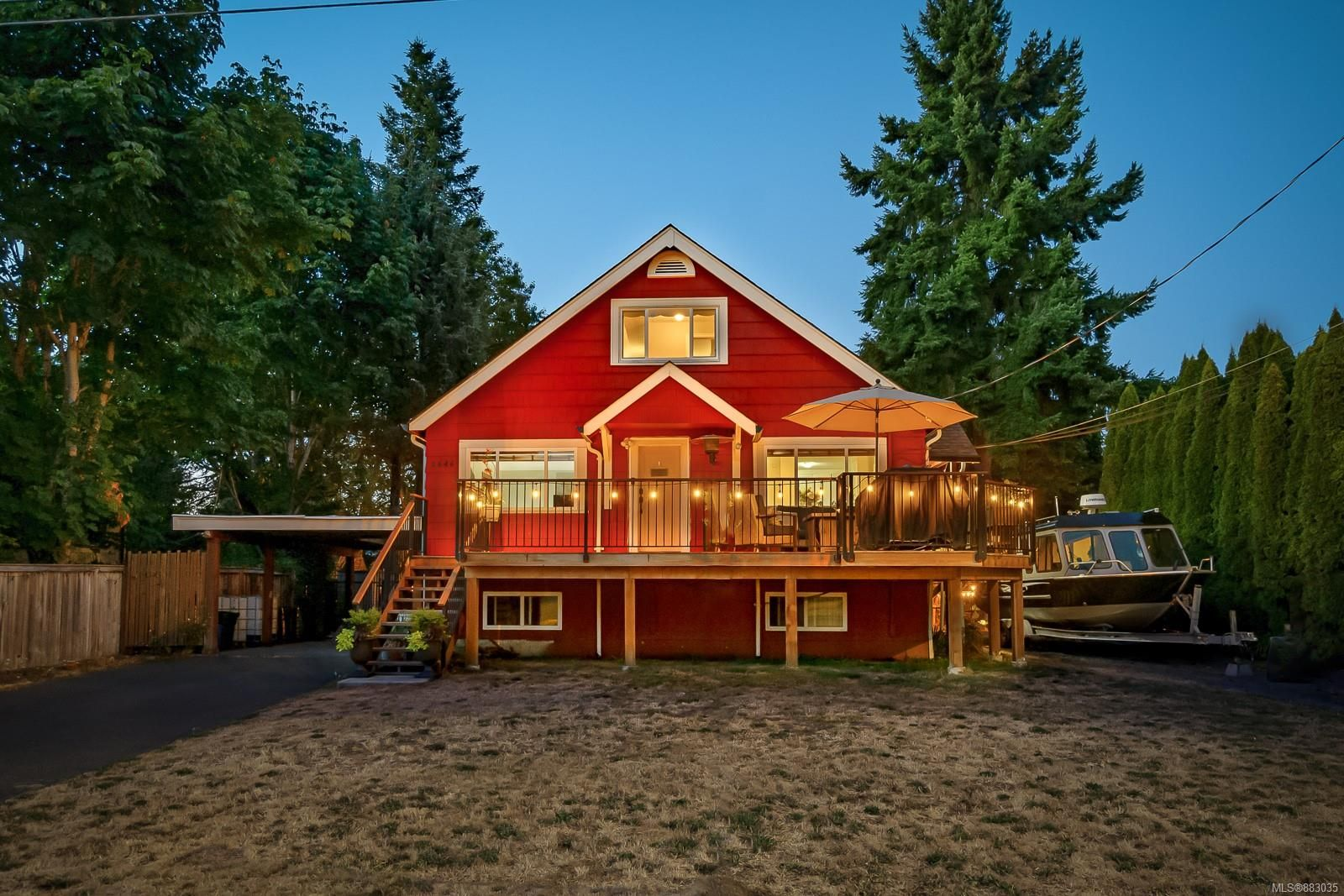 Main Photo: 2646 Willemar Ave in : CV Courtenay City House for sale (Comox Valley)  : MLS®# 883035