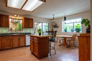 Photo 3: 1590 Juniper Dr in : CR Willow Point House for sale (Campbell River)  : MLS®# 866890