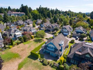 """Photo 7: 8315 TUGBOAT Place in Vancouver: Southlands House for sale in """"Angus Lands"""" (Vancouver West)  : MLS®# R2625838"""