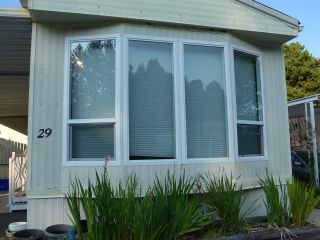 """Photo 3: 29 2120 KING GEORGE Boulevard in Surrey: King George Corridor Manufactured Home for sale in """"Five Oaks Park"""" (South Surrey White Rock)  : MLS®# R2485760"""