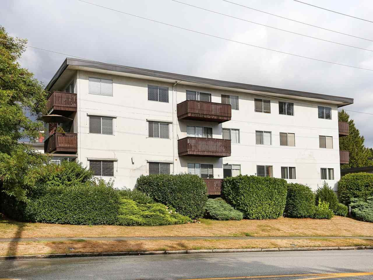 """Main Photo: 205 910 FIFTH Avenue in New Westminster: Uptown NW Condo for sale in """"Grosvenor Court"""" : MLS®# R2426702"""