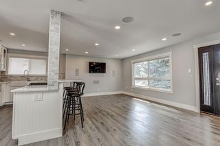 Photo 4: 324 WASCANA Crescent SE in Calgary: Willow Park Detached for sale : MLS®# C4296360