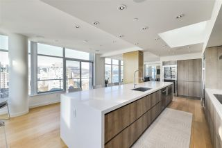 """Photo 2: PH3603 688 ABBOTT Street in Vancouver: Downtown VW Condo for sale in """"Firenze II."""" (Vancouver West)  : MLS®# R2535414"""