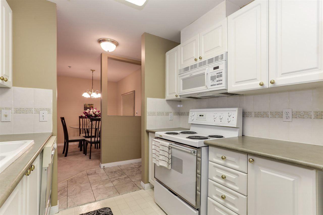 Photo 11: Photos: 107 4768 53 STREET in Delta: Delta Manor Condo for sale (Ladner)  : MLS®# R2397394