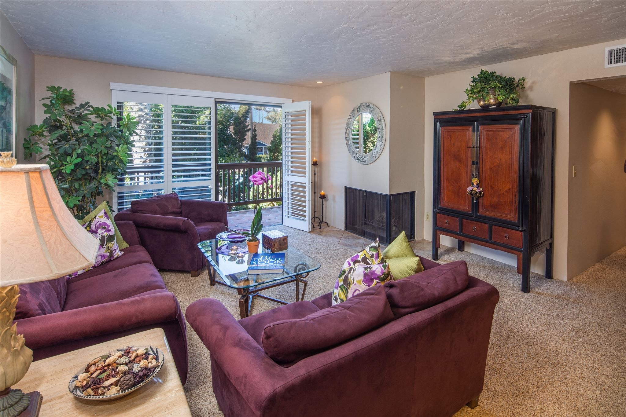 Main Photo: MISSION HILLS Condo for sale : 2 bedrooms : 3939 Eagle St #201 in San Diego