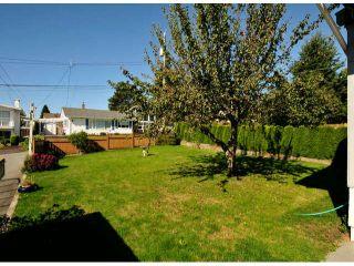 Photo 3: 1061 EWSON Street: White Rock House for sale (South Surrey White Rock)  : MLS®# F1423290