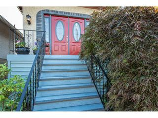 Photo 3: 1024 EIGHTH Avenue in New Westminster: Moody Park House for sale : MLS®# R2494915