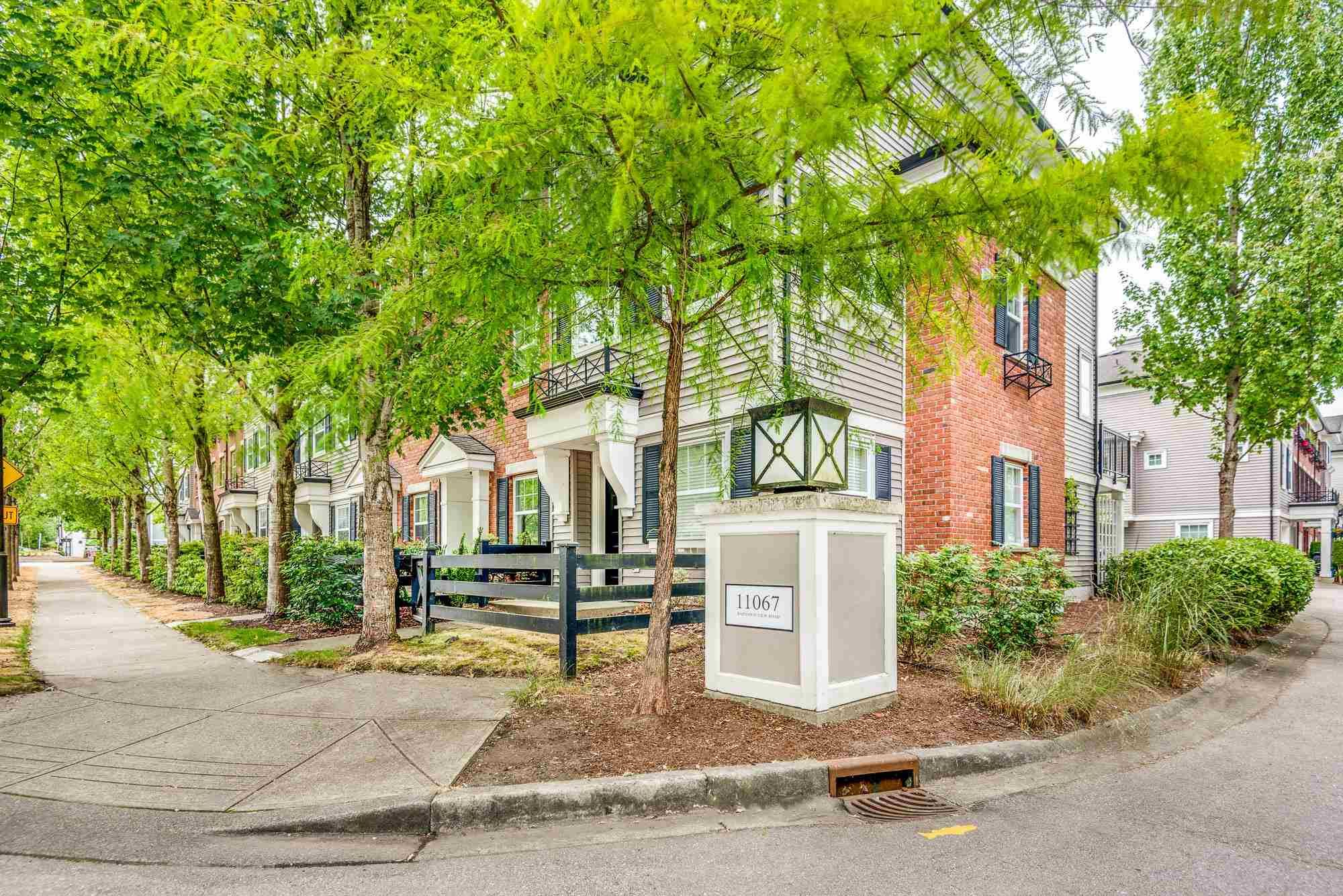 """Main Photo: 55 11067 BARNSTON VIEW Road in Pitt Meadows: South Meadows Townhouse for sale in """"COHO 1"""" : MLS®# R2603358"""