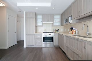 """Photo 8: 2901 5515 BOUNDARY Road in Vancouver: Collingwood VE Condo for sale in """"WALL CENTRE CENTRAL PARK"""" (Vancouver East)  : MLS®# R2293643"""