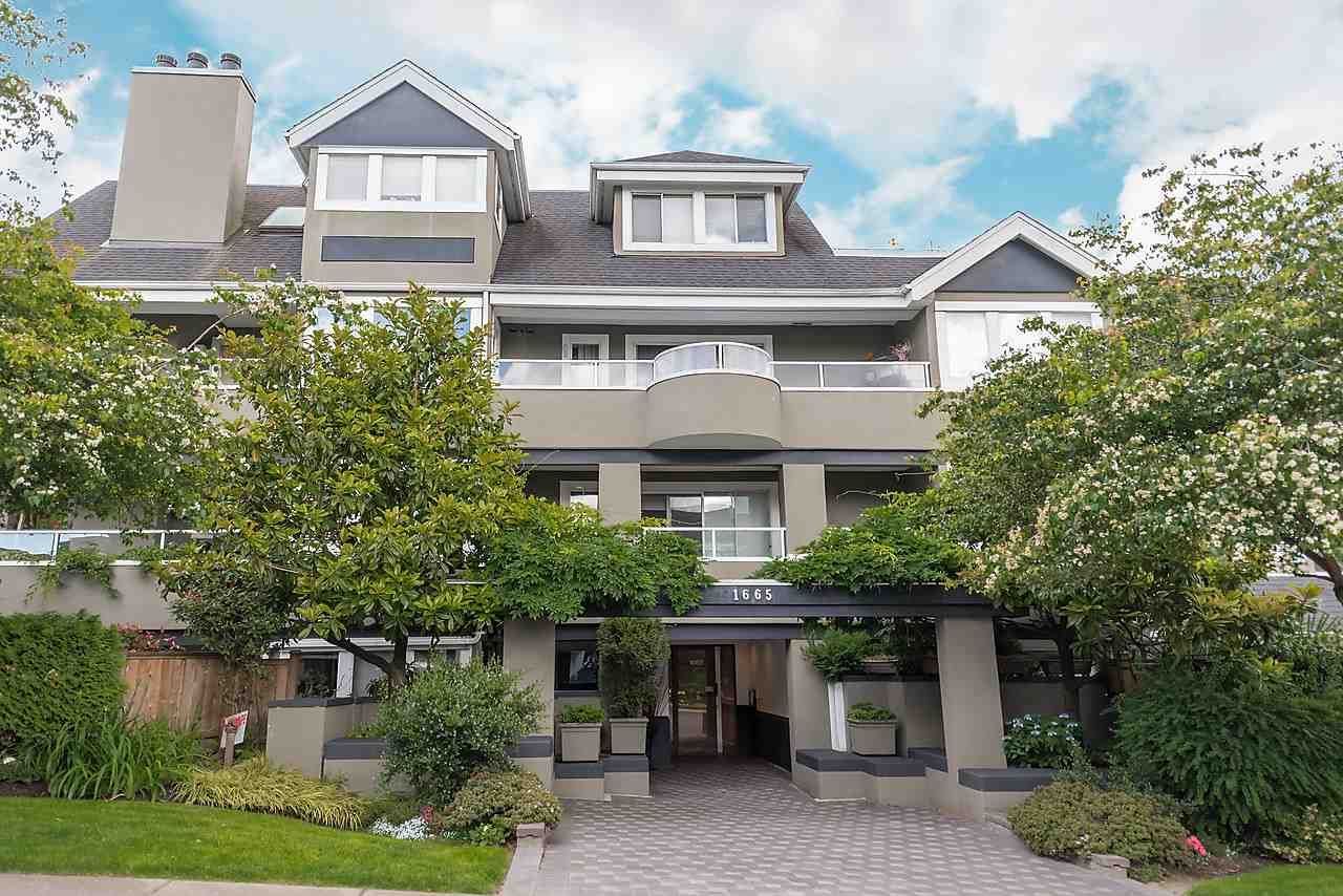 """Main Photo: 202 1665 ARBUTUS Street in Vancouver: Kitsilano Condo for sale in """"THE BEACHES"""" (Vancouver West)  : MLS®# R2094713"""