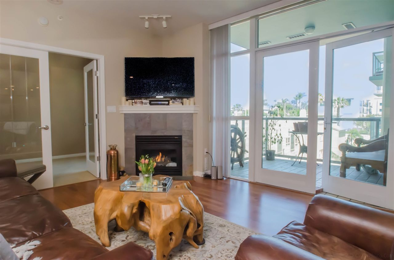 Main Photo: DOWNTOWN Condo for sale : 2 bedrooms : 850 Beech #701 in San Diego