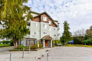 """Photo 3: 207 10186 155 Street in Surrey: Guildford Condo for sale in """"The Sommerset"""" (North Surrey)  : MLS®# R2544813"""