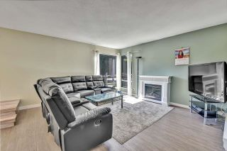 """Photo 3: 10524 HOLLY PARK Lane in Surrey: Guildford Townhouse for sale in """"Holly Park Lane"""" (North Surrey)  : MLS®# R2615553"""