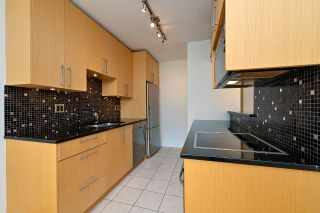 """Photo 6: 305 2424 CYPRESS Street in Vancouver: Kitsilano Condo for sale in """"CYPRESS PLACE"""" (Vancouver West)  : MLS®# R2572541"""