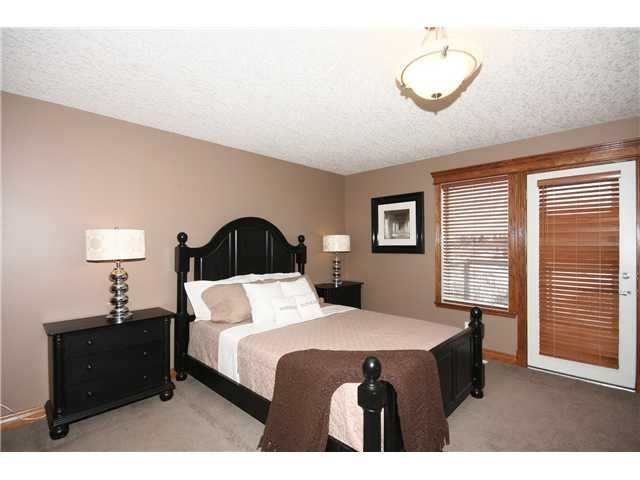 Photo 11: Photos: 51 WESTON Rise SW in CALGARY: West Springs Residential Detached Single Family for sale (Calgary)  : MLS®# C3544531