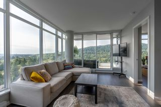 """Photo 11: 1402 520 COMO LAKE Avenue in Coquitlam: Coquitlam West Condo for sale in """"The Crown"""" : MLS®# R2619020"""