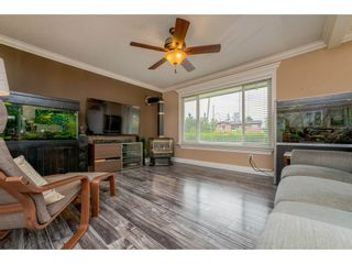 Photo 3: 17924 SHANNON Place in Surrey: Cloverdale BC House for sale (Cloverdale)  : MLS®# R2176477