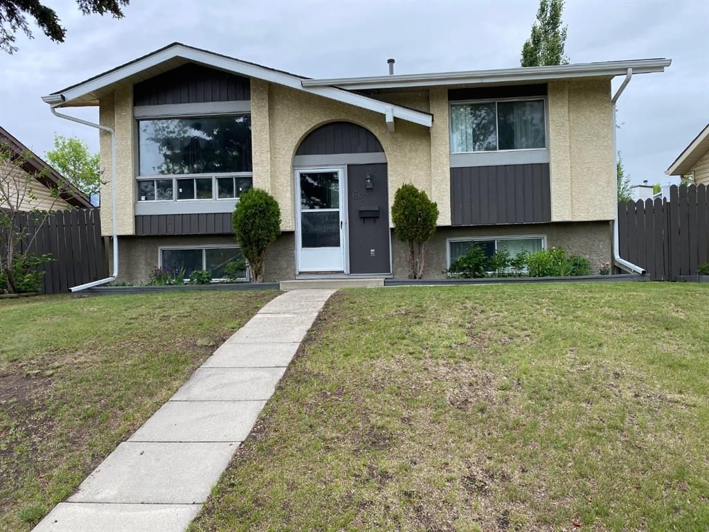 Main Photo: 68 Applewood Drive SE in Calgary: Applewood Park Detached for sale : MLS®# A1118968