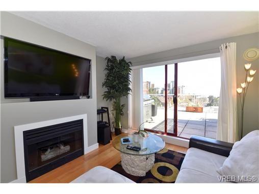 Main Photo: 310 873 Esquimalt Rd in VICTORIA: Es Old Esquimalt Condo for sale (Esquimalt)  : MLS®# 726443