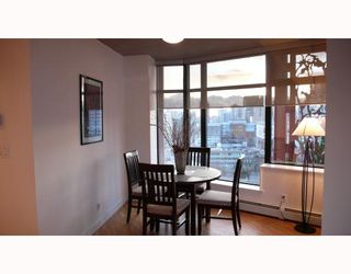 """Photo 4: 2310 128 W CORDOVA Street in Vancouver: Downtown VW Condo for sale in """"WOODWARDS W43"""" (Vancouver West)  : MLS®# V791001"""