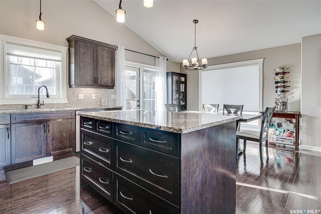 Photo 11: Photos: 602 Bennion Crescent in Saskatoon: Willowgrove Residential for sale : MLS®# SK849166