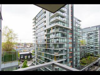Photo 4: 804 138 W 1 Avenue in Vancouver: False Creek Condo for sale (Vancouver West)  : MLS®# R2573475