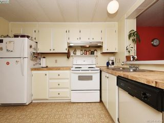 Photo 5: 5 1498 Admirals Rd in VICTORIA: VR Glentana Manufactured Home for sale (View Royal)  : MLS®# 822179