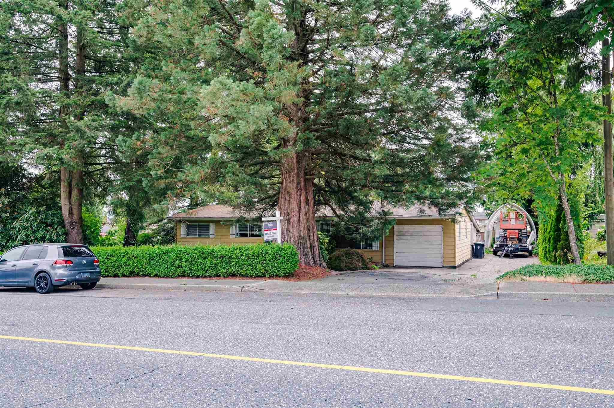 Main Photo: 26492 29 Avenue in Langley: Aldergrove Langley House for sale : MLS®# R2597876