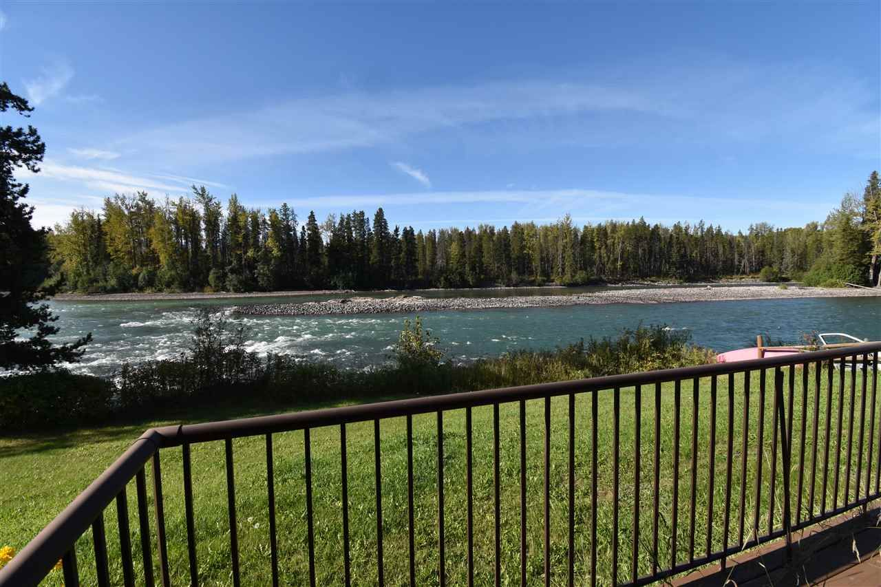 Main Photo: 1462 16 Highway: Telkwa Duplex for sale (Smithers And Area (Zone 54))  : MLS®# R2558586