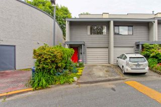 Photo 1: 4882 TURNBUCKLE WYND in Delta: Ladner Elementary Townhouse for sale (Ladner)  : MLS®# R2072644