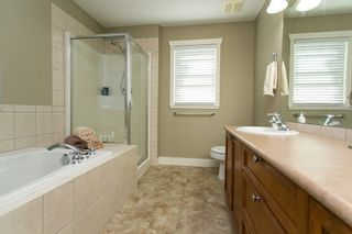 """Photo 12: 19662 73A Avenue in Langley: Willoughby Heights House for sale in """"Willoughby Heights"""" : MLS®# R2339919"""