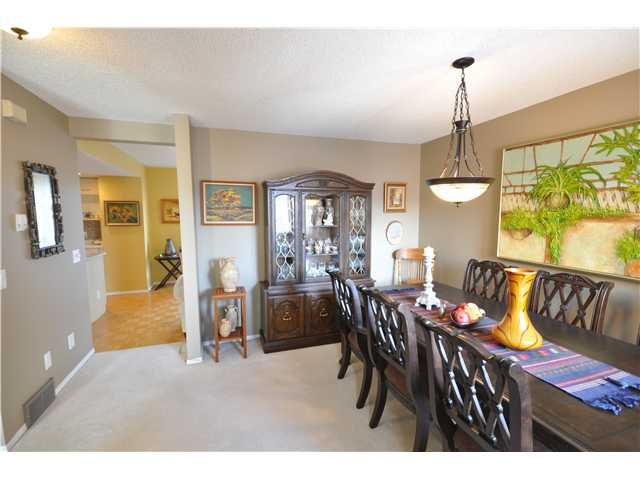Photo 17: Photos: 27 5810 PATINA Drive SW in CALGARY: Prominence_Patterson Townhouse for sale (Calgary)  : MLS®# C3597559