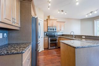 Photo 14: 415 52 Avenue SW in Calgary: Windsor Park Semi Detached for sale : MLS®# A1112515