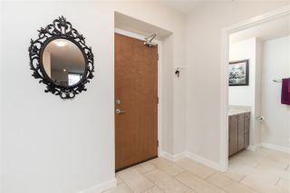 """Photo 14: 1803 280 ROSS Drive in New Westminster: Fraserview NW Condo for sale in """"THE CARLYLE"""" : MLS®# R2376749"""
