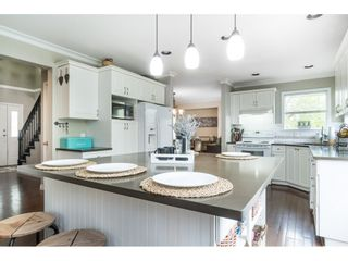 """Photo 7: 5152 223A Street in Langley: Murrayville House for sale in """"Hillcrest"""" : MLS®# R2453647"""