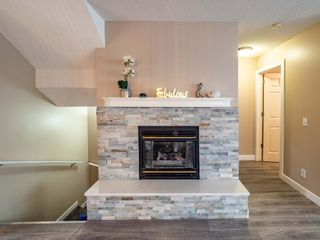 Photo 2: 27 Sandarac Road NW in Calgary: Sandstone Valley Row/Townhouse for sale : MLS®# A1148451